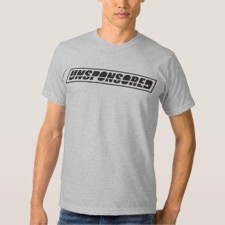 Camiseta patrocinada por la ONU del logotipo del
