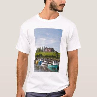 Camiseta Pequeño pueblo pesquero cerca de Grande-Riviere,