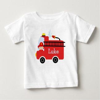 Camiseta personalizada del coche de bomberos de