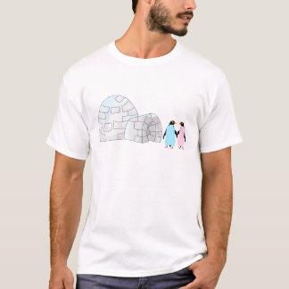 Camiseta Pingüinos rosados y azules en el iglú