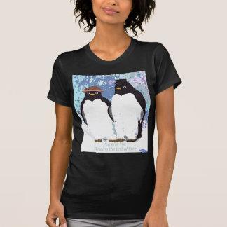 Camiseta Pingüinos usted y yo que colocan la prueba del