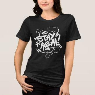 Camiseta Pintada del chica: Estancia Streetwear real
