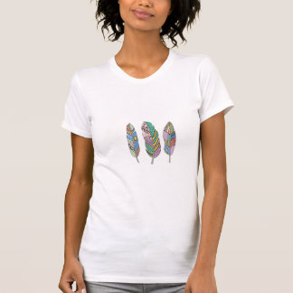 Camiseta Pluma rosada azul tribal bohemia tres únicos