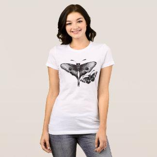 Camiseta polillas blancos y negros