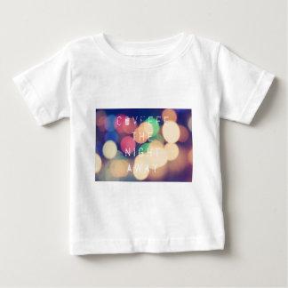 Camiseta política de la ropa del pío de Covfefe
