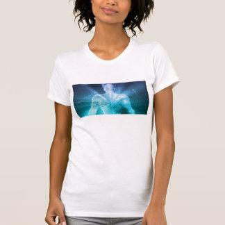 Camiseta Practicar surf el Web o el Internet como concepto