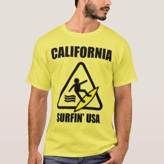 Camiseta precaución: piso mojado
