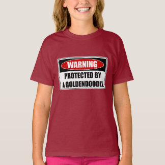 Camiseta Protegido por un Goldendoodle