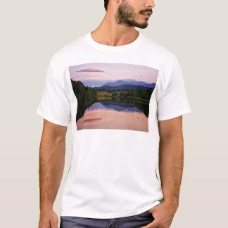 Camiseta Puesta del sol en el canal caledonio cerca de Fort