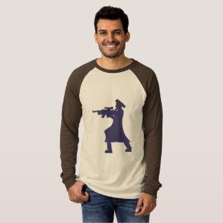 Camiseta rabino con el rifle de asalto