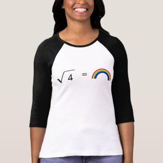 Camiseta Raíz cuadrada de 4 arco iris iguales