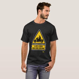Camiseta Retraso: travesía de la manada de los cerdos