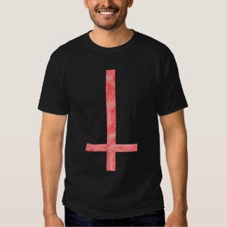 Camiseta ritual total negra cruzada satánica roja