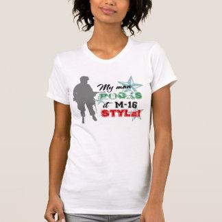 Camiseta ¡Rocas él estilo M-16!