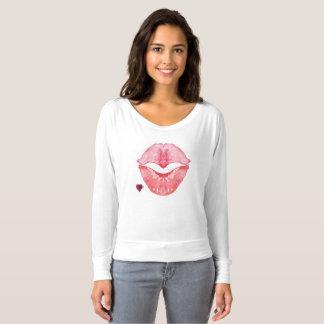 Camiseta roja atractiva de los labios para las