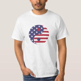 Camiseta roja, blanca, y azul de Yin Yang