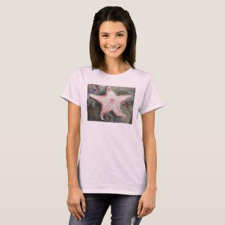 Camiseta rosada con los pescados de la estrella
