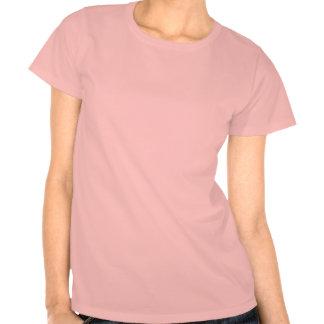 Camiseta rosada del chica de las promociones de