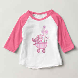 Camiseta rosada del cochecito de la niña