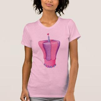 Camiseta rosada del corazón de la torta