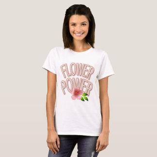 Camiseta rosada del flower power