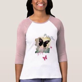 Camiseta rosada y negra bonita de las mariposas