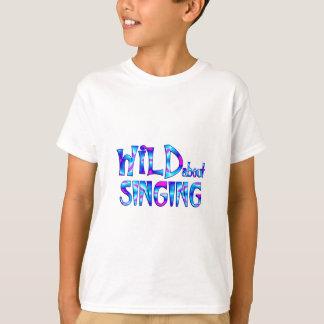Camiseta Salvaje sobre el canto
