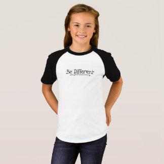 Camiseta Sea diferente - los niños