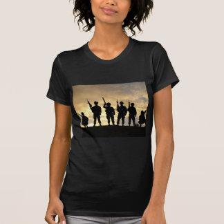 Camiseta Silueta de soldados en la 101a división