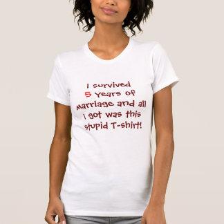 Camiseta Sobrevivido 5 años de boda