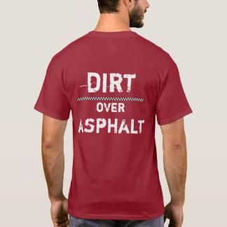 Camiseta Suciedad sobre el asfalto que compite con la