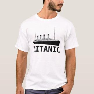 Camiseta titánica del título