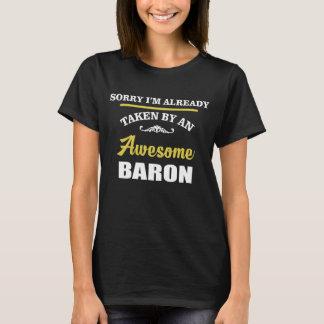 Camiseta Tomado por un BARÓN impresionante. Cumpleaños del