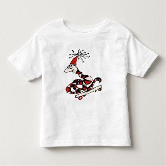 Camiseta tonta de la serpiente del monopatín