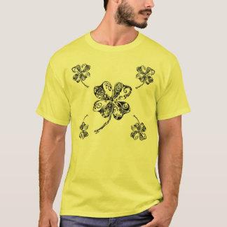 Camiseta Trébol tribal