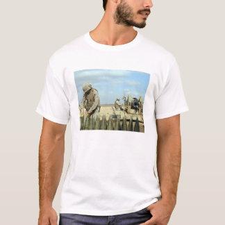 Camiseta Un infante de marina de los E.E.U.U. prepara