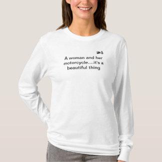 Camiseta Una mujer y su motocicleta
