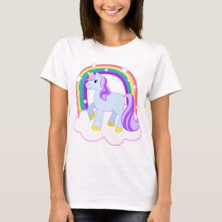 Camiseta Unicornio mágico lindo con el arco iris