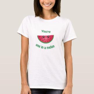 Camiseta Uno en una sandía linda divertida de Kawaii del