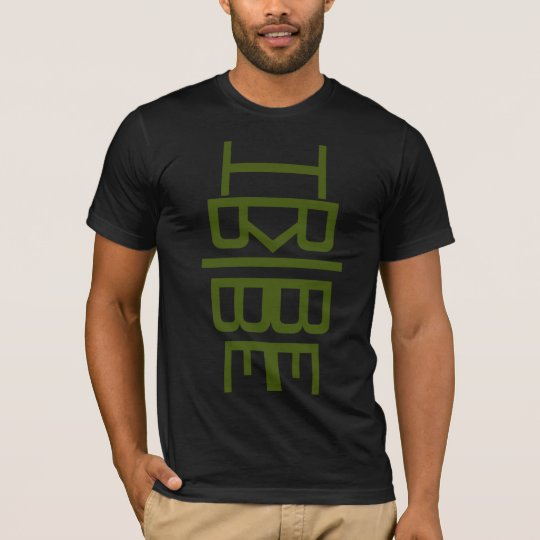 Camiseta verde del tótem de la tribu
