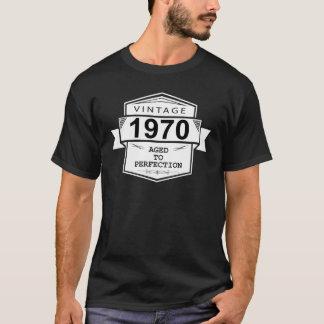 Camiseta Vintage 1970 envejecido a la perfección.