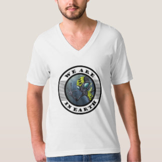 Camiseta we are in earth