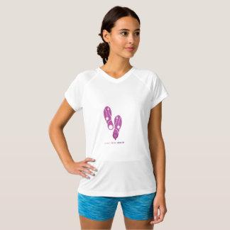Camiseta zapatos rosados de SheRuns.com que funcionan con