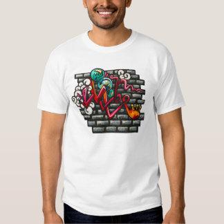 Camisetas artsy de la pared de ladrillo y de la