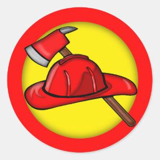 Camisetas de los bomberos de los niños y regalos etiquetas redondas