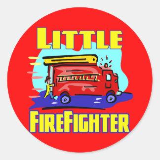 Camisetas del bombero de los niños y regalos del etiquetas redondas