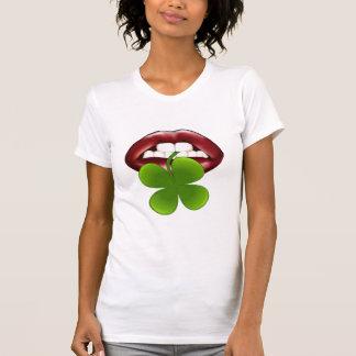 Camisetas irlandés de los LABIOS del trébol
