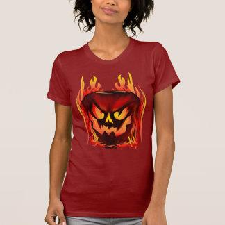 Camisetas llameante grande de la calabaza
