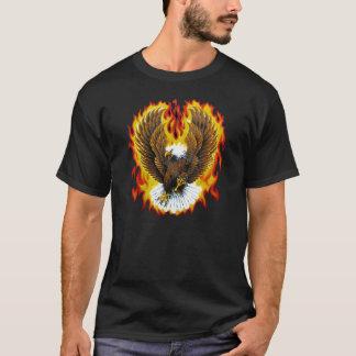 Camisetas patrióticas llameantes de Eagle calvo
