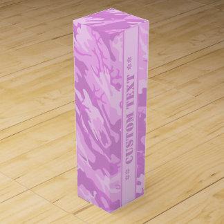 Camo rosado con el texto de encargo caja para vino